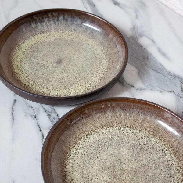 Тарелка из черной глины глубокая French Макадамия
