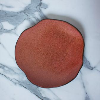 Коричневая Тарелка круглая из керамики Этно Бали Коралл
