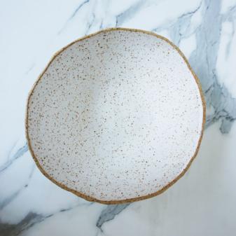Салатник из керамики ручной работы Этно White Bali