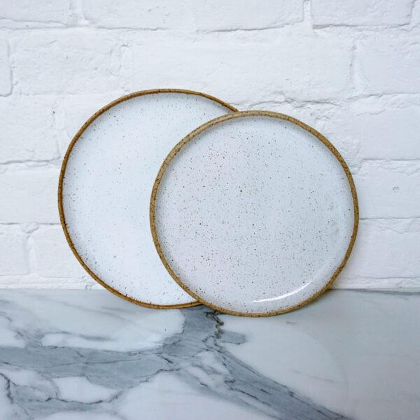Тарелка круглая из каменной керамики Basic White Hawaii