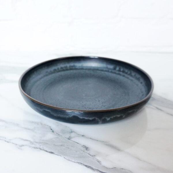 Тарелка круглая из керамики French D230 Н40 Серый сатин